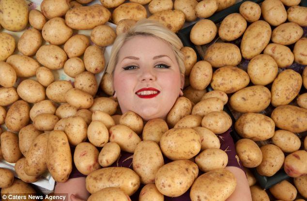 Почему человек ест сырую картошку